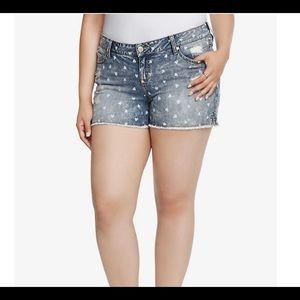 TORRID | skinny short shorts heart print acid wash